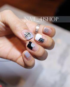 """""""도형+좌표네일 ㅋㅋ #체크네일 귀엽게 #checknail @nail_41shop #네일디자이너지니 #네일 #네일아트 #41shop #젤네일 #청담동네일 #청담네일 #gelnails #nails #nailart #naildesign #nailswag…"""""""