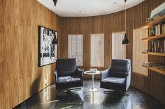 Top 15: salas de estar com madeira