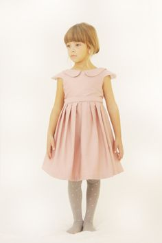Is there anything sweeter than a Peter Pan collar? No? I didn't think so. Peony, Girl Dress