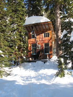 8-person Shaker's Lodge near Kootenays, British Columbia