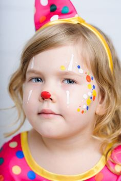 Kids Makeup, Face Makeup, Cute Clown Makeup, Clown Face Paint, Body Image Art, Girl Face Painting, Clown Faces, Creative Makeup, Pretty Makeup
