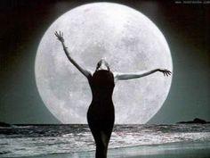 Mujer Ancestral: La luna y tu cliclo menstrual