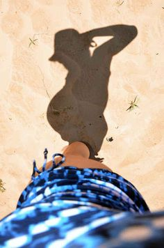 Play with light and shadow.   38 Insanely Adorable Ideas For Your Maternity Photo Shoot