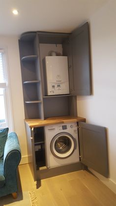 Bespoke cabinet to conceal boiler and washing machine Small Utility Room, Kitchen Design Small, Cupboard Storage, Washing Machine, Utility Cupboard, Washing Machine In Kitchen, Utility Rooms, Diy Cupboards, Bathroom Design