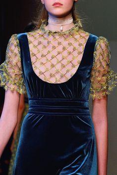 Luisa Beccaria at Milan Fall 2016 (Details) Luisa Beccaria at Milan Fashion Week Fall 2016 - Details Runway Photos Luisa Beccaria, Couture Fashion, Runway Fashion, Fashion Show, Fashion Outfits, Fashion Clothes, Stylish Outfits, Fall Fashion, Fashion Tips