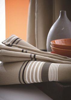 Collectie r ves de biarritz plaid sierkussens en - Linge de table luxe ...