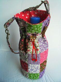 Bichos de Patch: Porta-Garrafa de Água Water Bottle Holders, Barbie, Gremlins, Quilts, Sewing, Fashion, Burlap Crafts, Bunny Crafts, Rustic Crafts