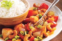 Crunchy cashews, sweet red peppers and succulent chicken make up this stir-fry that's ready in just 25 minutes.