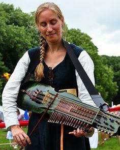 Jorieke Rutgers playing her wonderful sounding Swedish nyckelharpa.