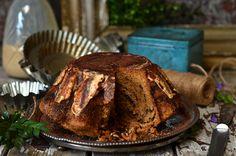 Babka tiramisu - intensywnie kawowa, wilgotna, idealna na Wielkanoc i na co dzień, zwyczajnie do kawy czy herbaty. Łatwa w przygotowaniu. Tiramisu, Dessert Drinks, Dessert Ideas, Feta, Bread, Recipes, Bundt Cakes, Polish, Food Cakes
