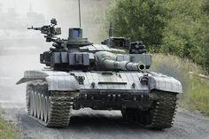"""De opgelaaide strijdtussen Amerika en de Russen wordt uitgevochten in Limburg. De Amerikanen hebben tanks, pantservoertuigen en artillerie gestationeerd in de Limburgse plaats Eygelshoven. De angst voor de Russen zit er goed in. Na de annexatie van De Krim en de Russische troepenopbouw bij de Baltische staten lijkt de Koude Oorlog weer te zijn opgelaaid. """"We moeten Rusland wel afschrikken. [...]"""