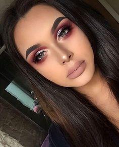 maquillaje metalico Metallic cranberry Eyeshadow look Glam Makeup, Love Makeup, Makeup Inspo, Gorgeous Makeup, Makeup Inspiration, Tan Skin Makeup, Makeup Night Out, Red Makeup Looks, Pretty Makeup