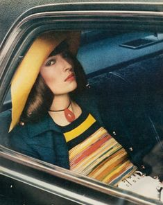 Viviane by Helmut Newton for Vogue, 1972.!   Aline. ♥