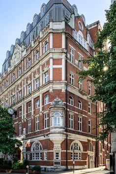 Luxury Modern Homes, Luxury Homes Dream Houses, London House, London Life, Old London, London Food, Bangkok Thailand, Thailand Travel, Italy Travel