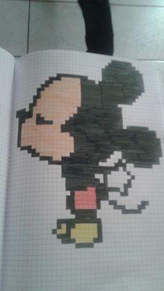 pixel art - Page 2 Graph Paper Drawings, Graph Paper Art, Easy Drawings, Pixel Kawaii, Easy Pixel Art, Modele Pixel Art, Pixel Drawing, Pix Art, Minecraft Pixel Art