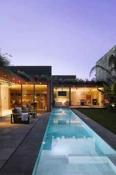 Livingpursuit: The Barrancas House by Ezequiel Farca