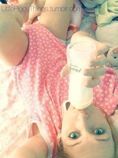 wish she had more little pics, so cutezie #little-selfie