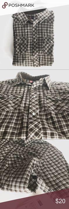 Chaps Snap Button Short Sleeve Shirt Chaps Snap Button Short Sleeve Shirt NWT, brown and white plaid, smoke free home. Chaps Shirts & Tops Button Down Shirts