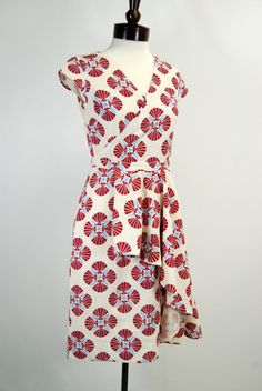 """Vintage Atelier 1940's Day Dress - Fans. A stunning vintage reproduction dress in a beautiful retro printed broadcloth! The design of this 1940's inspired dress was crafted with detail and fit in mind. The fabric is ivory and printed with crimson red and sky blue colored """"oriental"""" fans."""