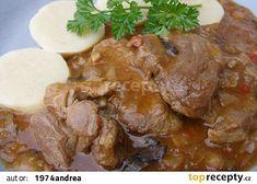 Dušená plec s hlávkovým zelím recept - TopRecepty.cz Pot Roast, Steak, Pork, Beef, Chicken, Ethnic Recipes, Red Peppers, Carne Asada, Kale Stir Fry