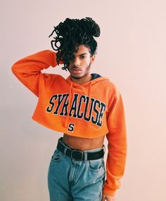Click the post for cheap dad caps and shades! Just your friendly reminder that crop top season is back in full effect. Queer Fashion, Androgynous Fashion, Mens Fashion, Most Common Hair Color, Pretty People, Beautiful People, Mens Crop Top, Cute Crop Tops, Guys In Crop Tops