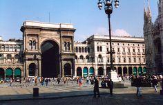 MIL Milano Galleria Vittorio Emanuele and Piazza del Duomo Galeria Vittorio Emanuele II na Itália - Pesquisa Google