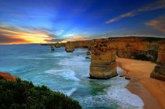 The Twelve Apostles, Australia  Photo Korawee Ratchapakdee