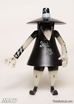 It's been fifty years of Spy Vs. Do you have ANY idea how many black and white fedoras have been destroyed in that period of time? Mad Magazine, Fedoras, Designer Toys, Inner Child, Vinyl Art, Spy, Action Figures, Character Design, Gadgets