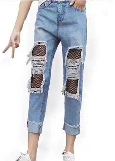 Compre Calça Jeans Rasgada Meia Canela apenas R$ 95,99 - UFashionShop
