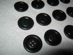 50 Stück Hosenknöpfe 4 Loch SchwarzDurchmesser ca.20 von Knopfshop