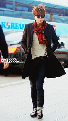 Akin na lang yang shades mo at ikaw na rin, pwede? HAHA :) Lee Min Ho ♡