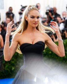 Candice Swanepoel wears TopShop ball gown at the 2017 MET Gala. #METGala #2017METGala #metball #redcarpet #fashion #celebrity #celebritystyle #fabfashionfix #candiceswanepoel