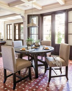 Jaxon 5 Piece Round Dining Set This Room Offers The Rustic Charm
