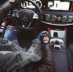 "Gefällt 9,909 Mal, 63 Kommentare - L'avvocato (@vertigo1983) auf Instagram: ""Inside the cockpit of a Mercedes Benz S-Class Follow: @vertigo1983 good morning folks 〰…"""