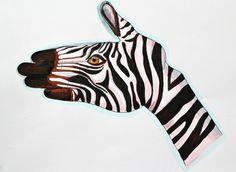 Illustration #zebra #carolinastangherlin #IDP #hand #stripes #face