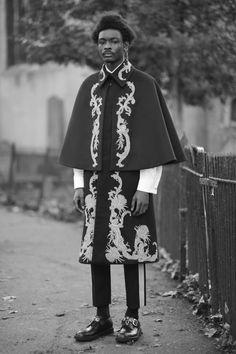Alexander McQueen коллекция | Коллекции осень-зима 2017/2018 | Лондон | VOGUE