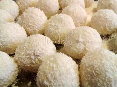 The Best Protein Balls Recipes on Yummly Protein Waffles, Protein Cake, Peanut Butter Protein, Best Protein, Peanut Butter Banana, Kiflice Recipe, Posne Torte, Kolaci I Torte, Serbian Recipes