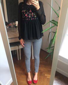 """313 mentions J'aime, 13 commentaires - Mathilde (@cmathilde) sur Instagram: """"Il paraît que c'est le printemps ❣️☀️alors on range les chaussettes et on sort les blouses fleuries…"""""""