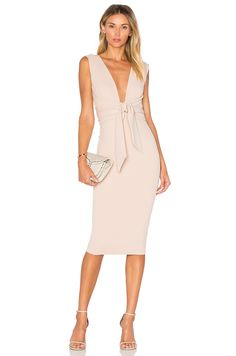 Nookie Royal Midi Dress em Areia   REVOLVE