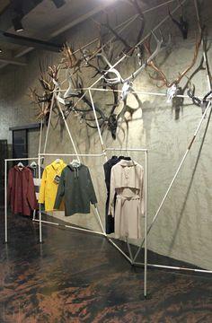 Monadi installation for Renzo Vesentini Showroom - www.vesentini.com Design: Enrico Girotti/Elia Perbellini/2016 Photo:Enrico Girotti