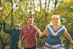 Couple's lovely engagement photos ruined by serial killer Jason Voorhees murdering them [20 pics]