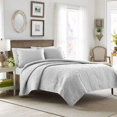 Felicity Soft Grey Quilt Set