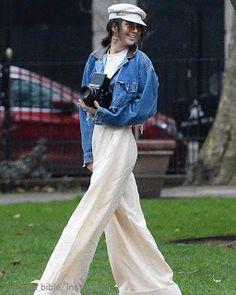 Celebrity Style | 海外セレブ最新ファッション情報 : 【ケンダル・ジェンナー】インパクト大のパラッツォ・パンツでカメラマンとしてお仕事中のケンダル!