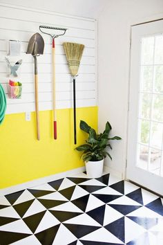 linoleum flooring Take Another Look: Vinyl amp; Linoleum Tiles Can Actually Look Good (Really! Decor, Diy Flooring, Floor Patterns, Adhesive Tiles, Tiles, Kitchen Vinyl, Flooring, Flooring Options, Vinyl Flooring
