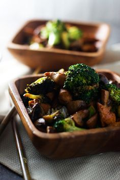 This Chinese stir-fry recipe is one that is sweet, savory, and salty at the same time and packed with flavor. | Ideahacks.com