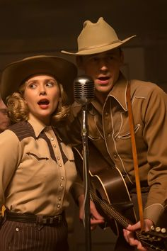 Tom Hiddleston as Hank Williams and Elizabeth Olsen as Audrey Mae in I Saw The Light. I Saw The Light movie still. Full size image: http://ww2.sinaimg.cn/large/6e14d388jw1ex1qgvsehrj21r41624c4.jpg Source: Torrilla, Weibo