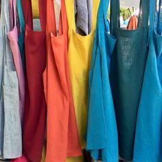 Coudre un tablier japonais ; tutos et patrons gratuits - Coin Couture, Couture Lin, Couture Sewing, Couture Tops, Couture Dresses, Sewing Clothes, Diy Clothes, Japanese Apron, Mode Inspiration