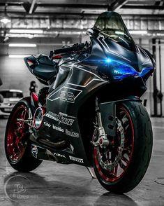 Tag #ducatinsta  __________________________ #ducati #ducatimonster #ducaticorse #ducatista #ducatisofinstagram #ducatistagram #ducatigram #ducatilife #panigale #sportbike #sportbikelife #sportbikes #motorcyclesofinstagram #motorcyclemafia #diavel #yamahar1 #yamahar6 #ducatiscrambler #hypermotard #multistrada #yamaha #kawasaki #honda #panigale1199 #motorcycle_mafia #cbr1000 #ducatipanigale #ducatisti #ducatilove