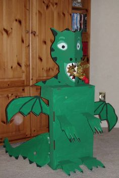 Crack of Dawn Crafts: Knight Party: Dragon Fire Game & How to Make Fire Balls Dragon Birthday Parties, Fairy Birthday Party, Boy Birthday, Dragon Vert, Mike The Knight, Castle Party, Medieval Crafts, Knight Party, Dragons