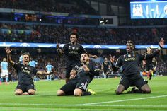 Con una grande maturità la Juventus vince in casa del Manchester City rimontando lo svantaggio iniziale con Super Mario Mandzukic e Morata. Buffon da santificare.